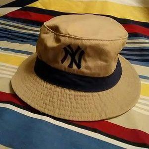 NEW BOYS NY HAT